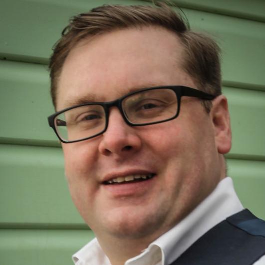 Richard Curtis profile image